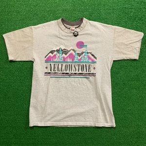 Vintage 90's Yellowstone National Park Nature T
